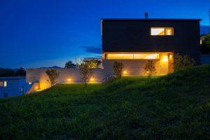 parete illuminazione esterna casa