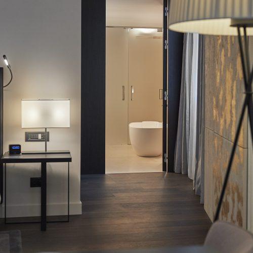 Hilton Como Lake-Various Room Details - 02