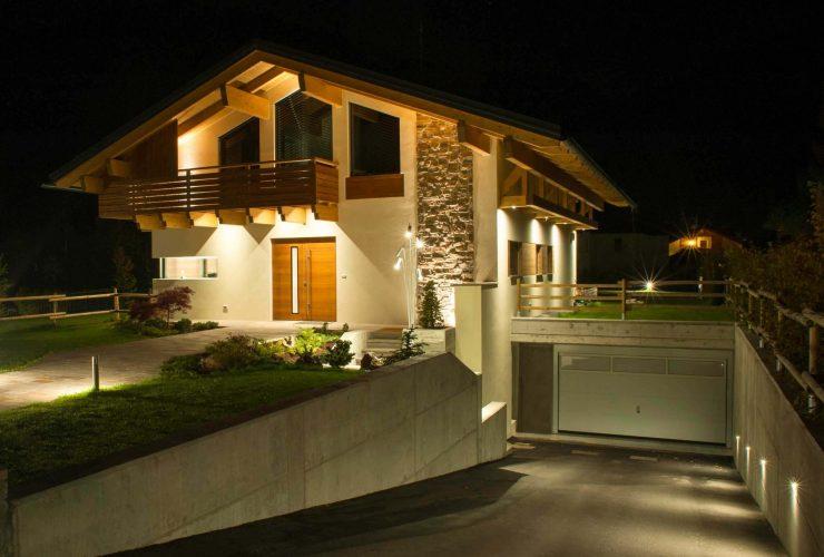 illuminazione facciata casa