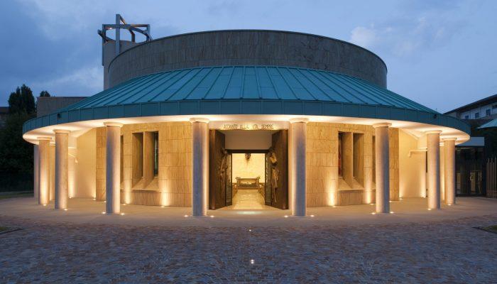 Kirche Don Gnocchi in Mailand, Architekt: Paolo Valeriani 2010